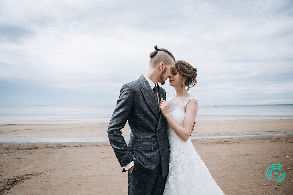 Mesmerizing Beach Wedding HairStyles