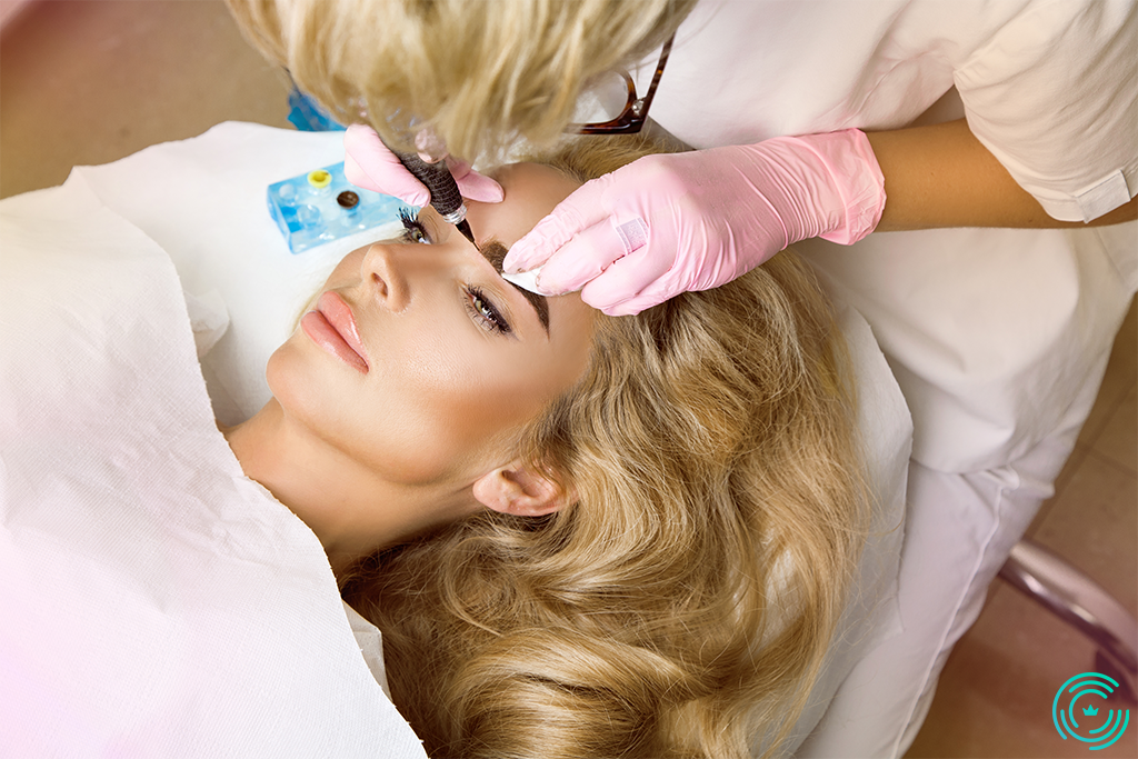A woman at an esthetician models her spancens